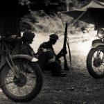 8K画質の軍用オートバイ