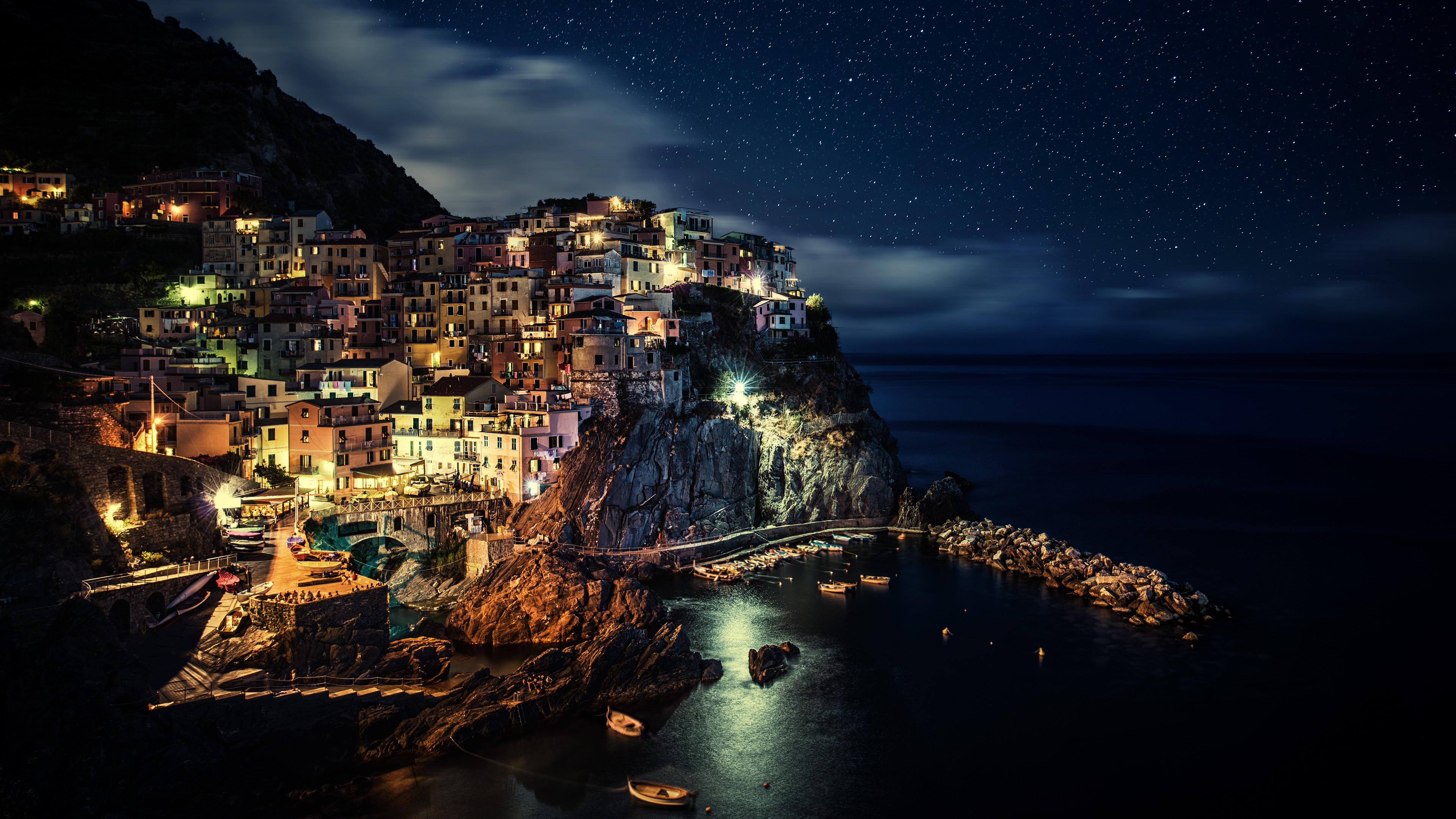 海辺の港町