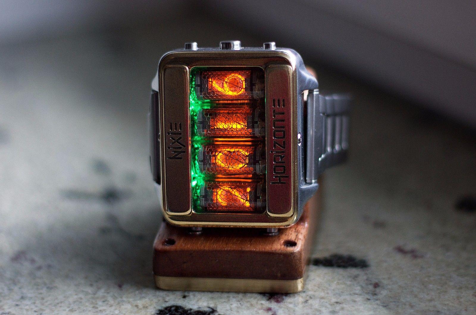 ニキシー管腕時計